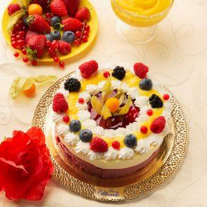 Torta gelato fior di latte e frutti di bosco